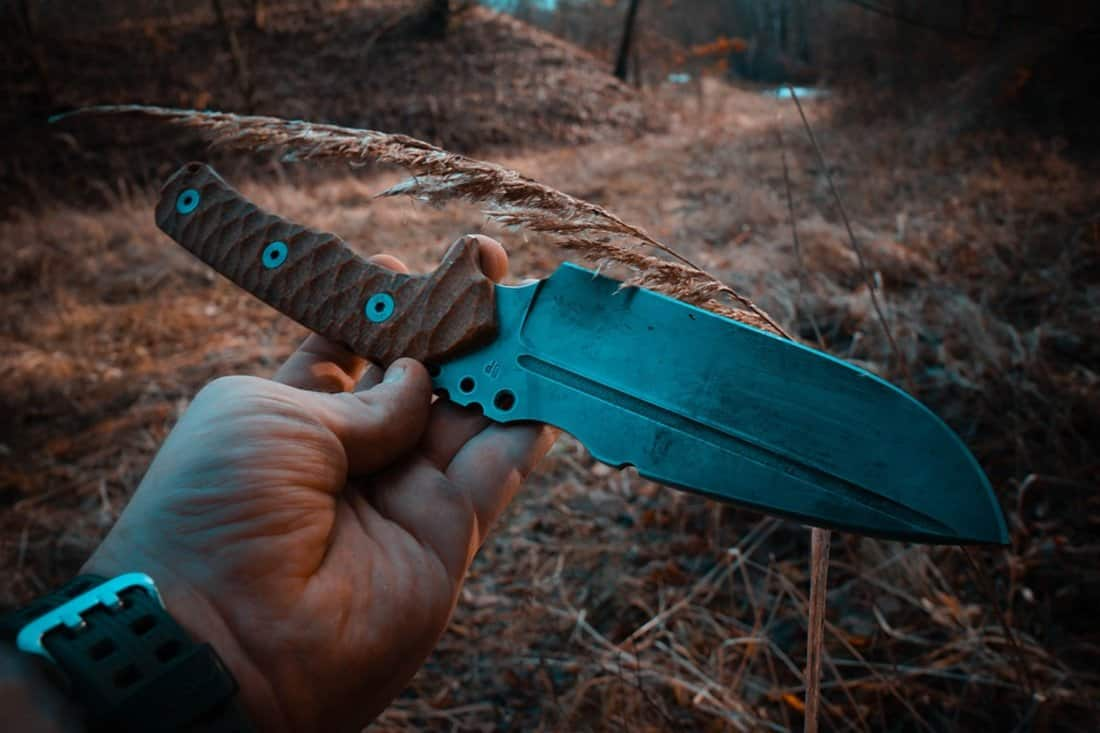 A fixed knife for camping