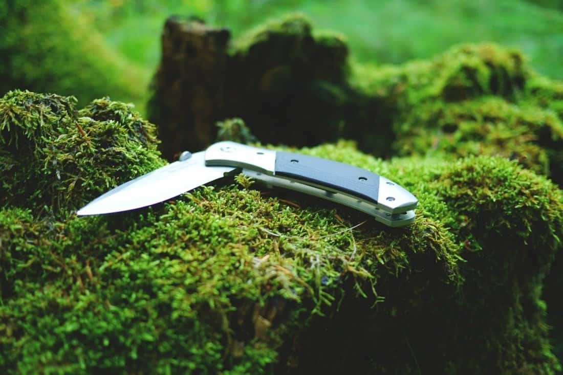 Folding knife for camping
