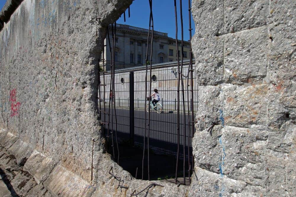 Can you take a piece of the Berlin Wall